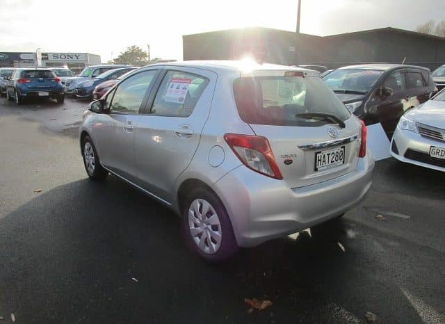 2013 Toyota Yaris full